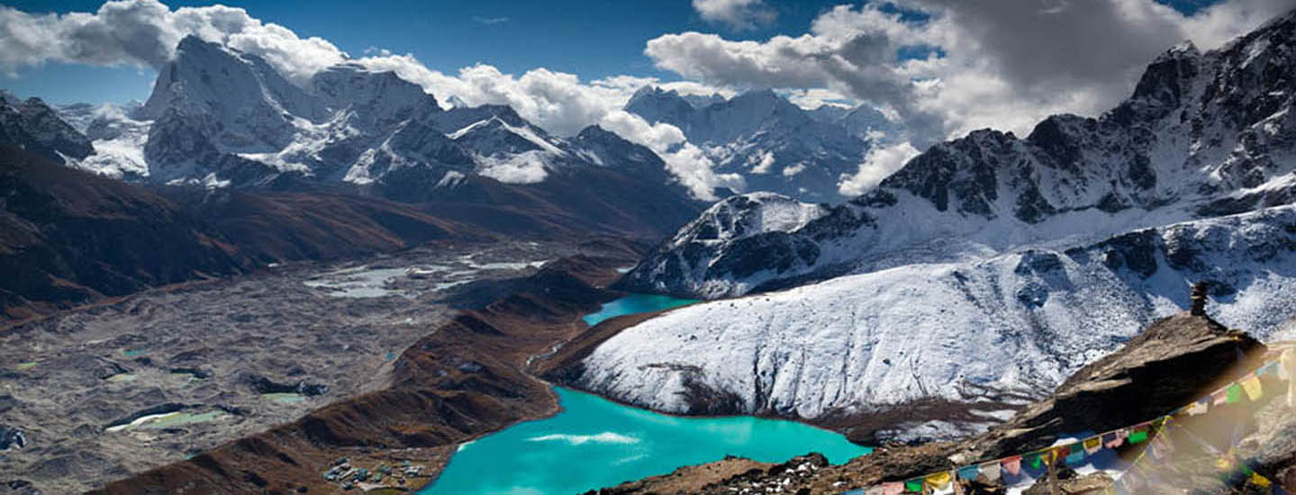 stunning view from Gokyo Ri